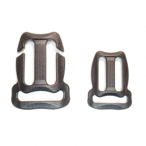 Sternum strap adjuster buckle