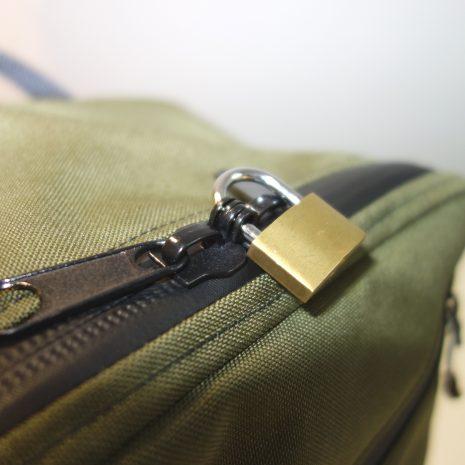 Zipper with padlock hole use