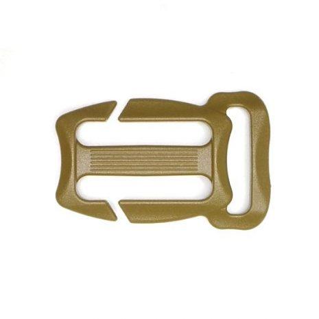 Quick attach sternum strap buckle