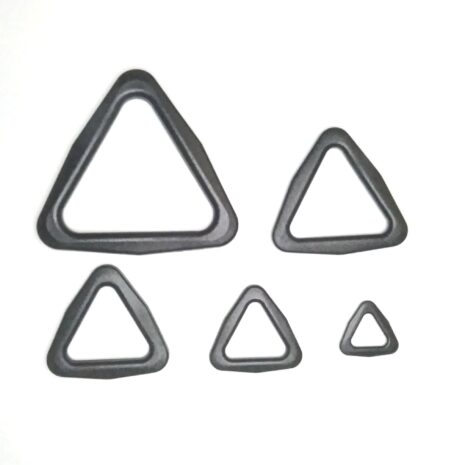 Plastic triangle ring